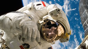 astronaut-iss-space-spacesuit_0.jpg
