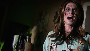 burying-the-ex-ashley-greene-scream.jpg