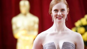 deborah-ann-woll-nd-academy-awards-vettrinet-1605165126.jpg