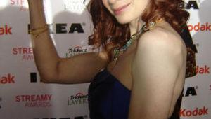 Felicia_day_Streamy_flex.jpg
