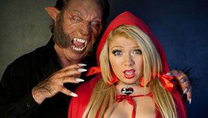 StrippersvsWerewolves110911.jpg