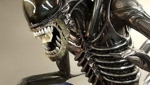 aliens_on_earth.jpg