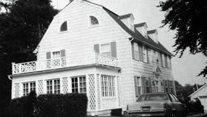 amityville-house1.jpg