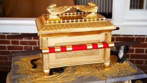 ark-of-the-covenant-cake.jpg