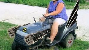 batman-lawnmower.jpg
