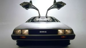 delorean-front-gull-wing.jpg