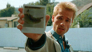 guy_pearce_memento.jpg