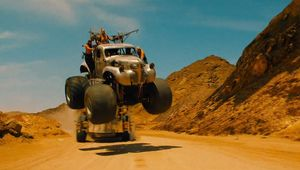 mad-max-fury-road-new-trailer-has-epic-car-stunts-video-89920_1.jpg