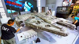 new-photos-of-hot-toys-massive-18-foot-long-millennium-falcon_1.jpg