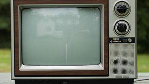 old-tv-set.jpg
