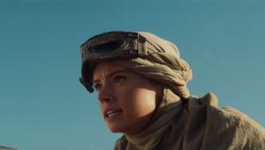 star_wars_force_awakens_daisy_ridley_look_forward.jpg