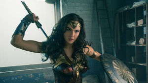 WonderWoman_ClearedPhoto_WarnerBros_02