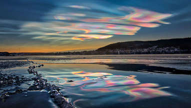Polar stratospheric clouds over Sweden on December 31, 2019. Credit: Göran Strand, used by permission, from the video