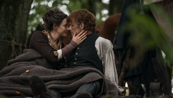 Outlander 401, Jamie and Claire woods