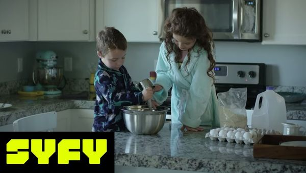 31 DAYS OF HALLOWEEN   6 Word Scares: Breakfast in Bed, Now You're Dead   SYFY
