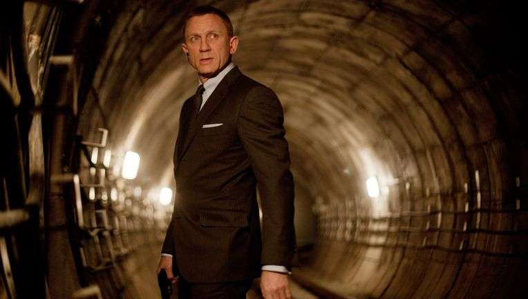 Daniel-Craig-Bond.jpeg