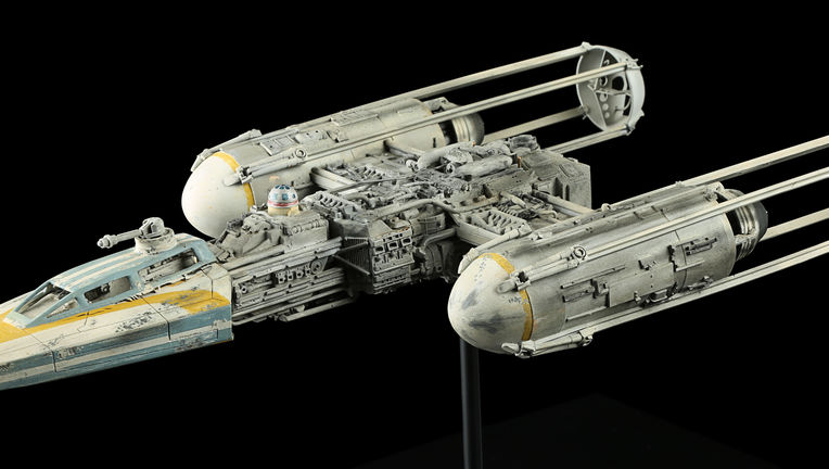 71705_ILM Y-Wing Model Miniature_10.jpg
