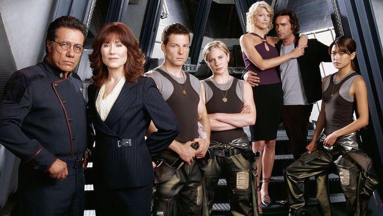 battlestar_galactica_cast_01.jpg