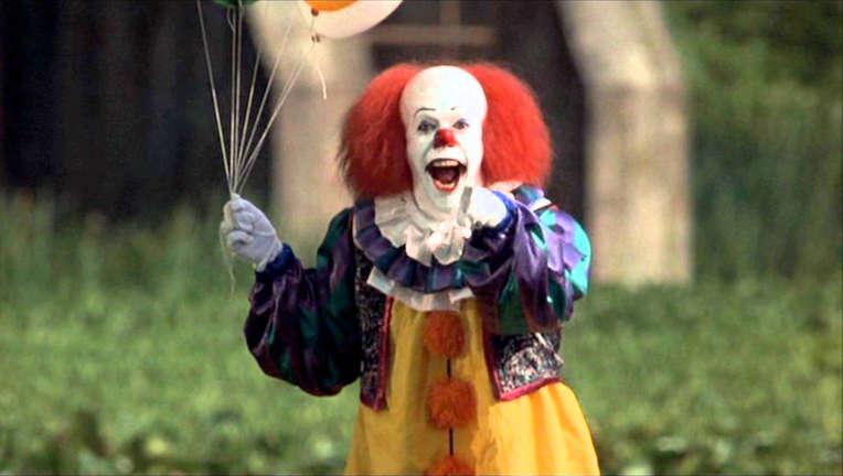 tim-curry-pennywise.jpg
