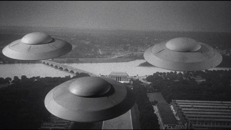 earth-vs-flying-saucers.jpg
