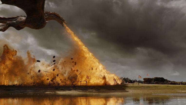 game-of-thrones-spoils-of-war-daenerys-03.jpg