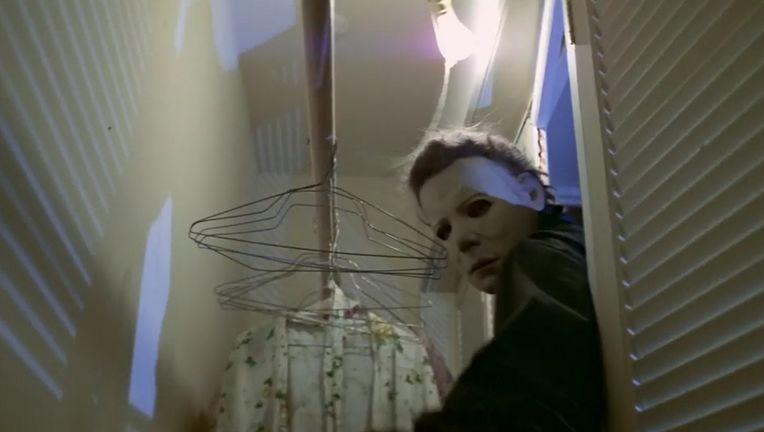 halloween_michael-myers_closet.jpg