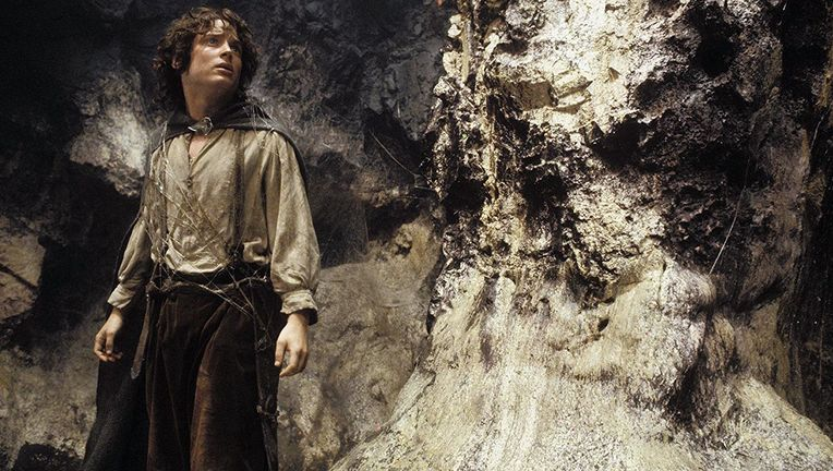 lord_of_the_rings_return_of_the_king_frodo_hero_01.jpg