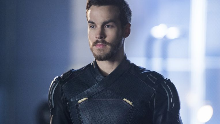 supergirl mon-el legion of super heroes