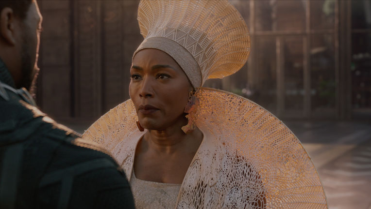 angela_bassett_header_image_black_panther.jpg