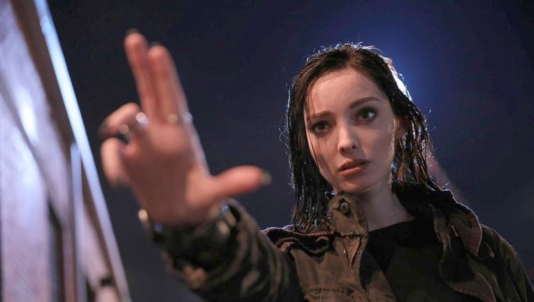 emma_dumont_as_polaris_courtesy_of_fox.jpg