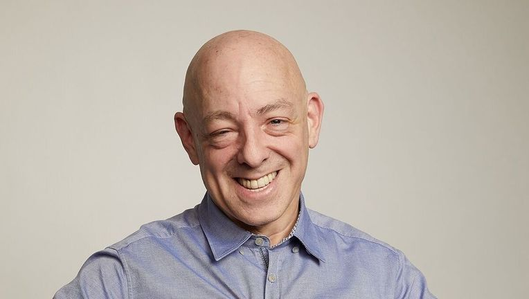 c2e2_saturday_brianmichaelbendis_gettyimages_photocredit_preview.jpg