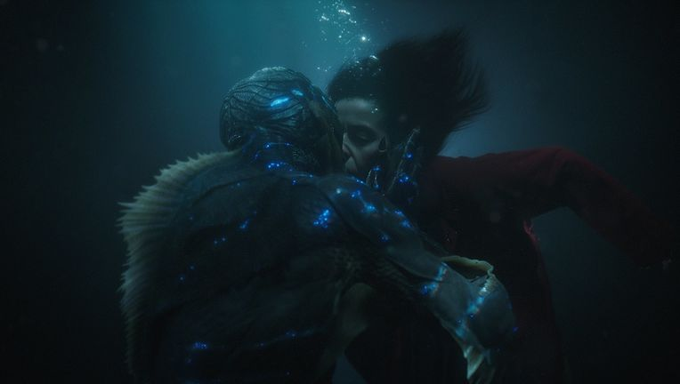 Shape of Water kiss