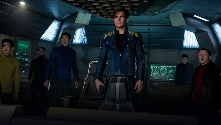 Star Trek Beyond cast.png