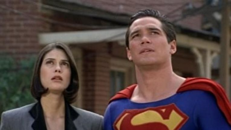 Lois and Clark- Teri Hatcher and Dean Cain as Lois Lane and Superman