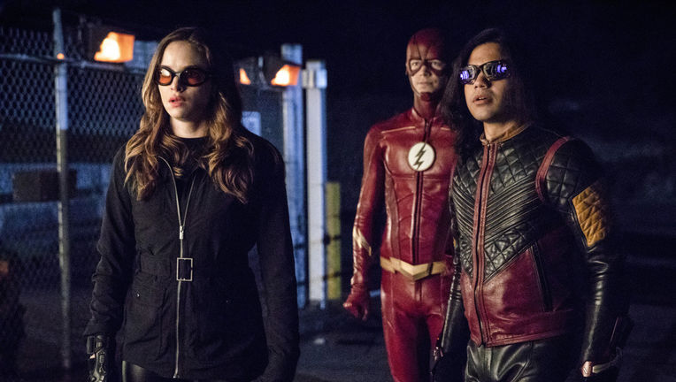 the_flash_barry_caitlin_and_cisco.jpg