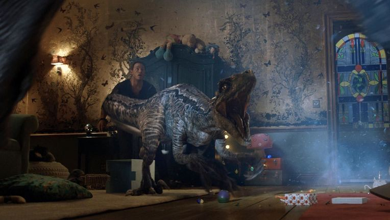 Jurassic World Fallen Kingdom Blue attack hero