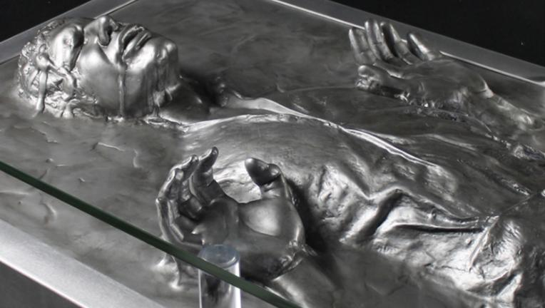 Regal Robot Star Wars Han Solo in Carbonite table