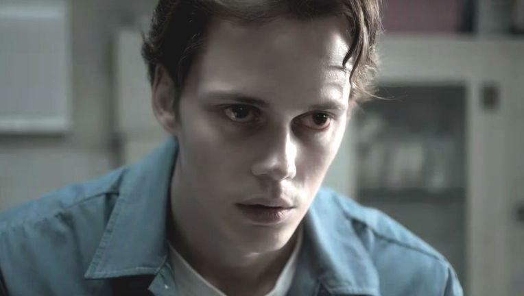 Bill-Skarsgard-Castle-Rock-Hulu
