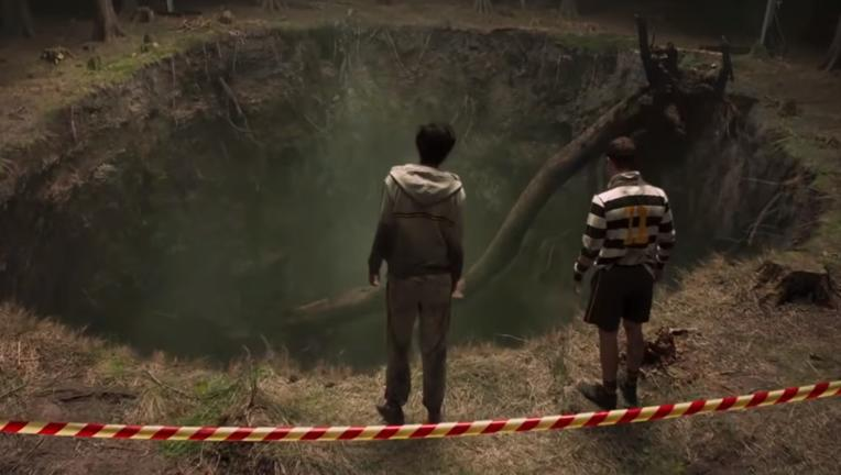 SLAUGHTERHOUSE_RULEZ_Trailer_sinkhole