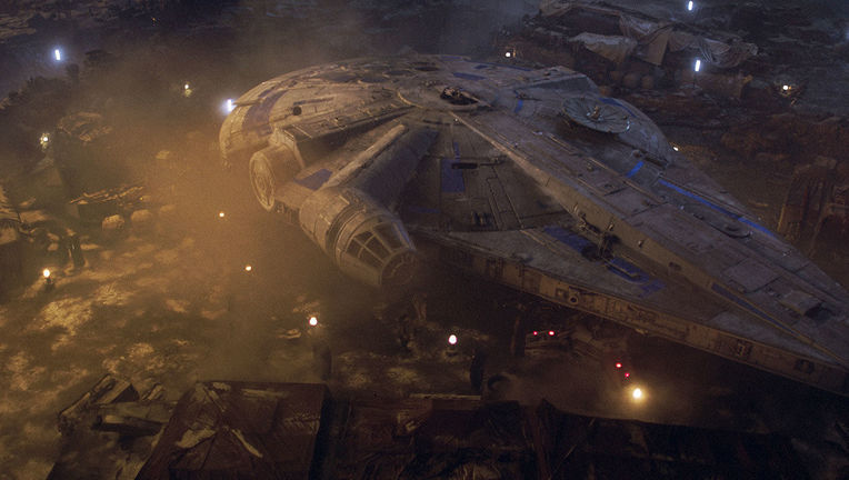 Millenium Falcon Solo A Star Wars Story
