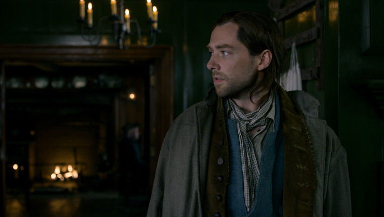 Richard Rankin (Roger Wakefield) - Outlander Episode 408