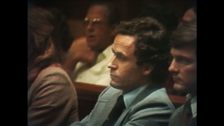 Conversations_with_a_Killer__The_Ted_Bundy_Tapes_S01E01_1m51s2674f.JPG