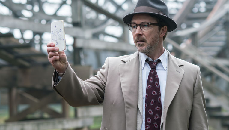 Aidan Gillen in Project Blue Book Season 1 'Foo Fighters'