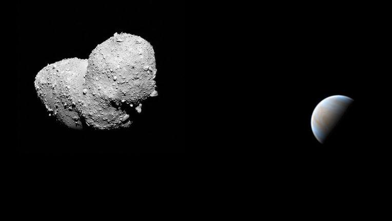 A fanciful depiction of the near-Venus asteroid 2019 AQ3, with the asteroid Itokawa standing in for AQ3. Credits: Itokawa: JAXA; Venus: Damian Peach; Mosaic: Phil Plait