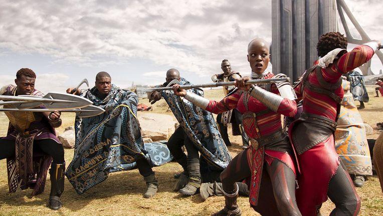 black_panther_group_hero_01.jpg