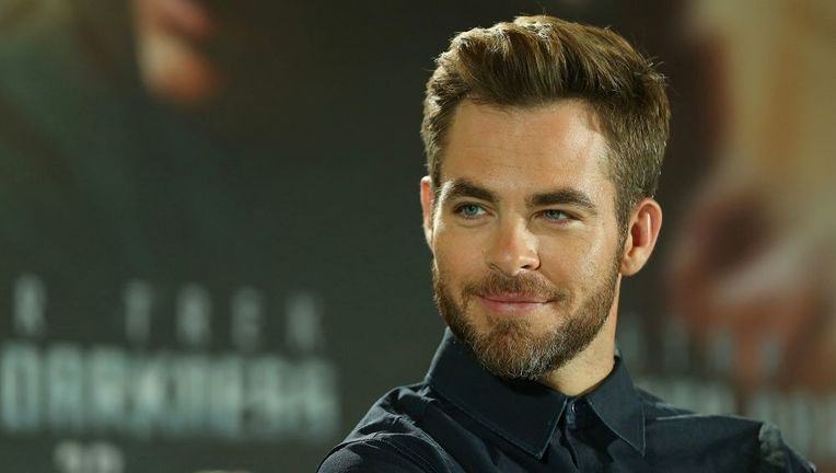chris_pine_beard_1.jpg