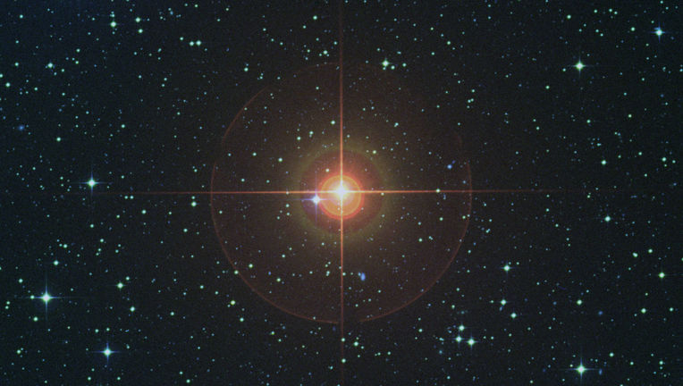 In visible light, it's easy to see why W Hydrae is a red giant. Credit: Digitized Sky Survey