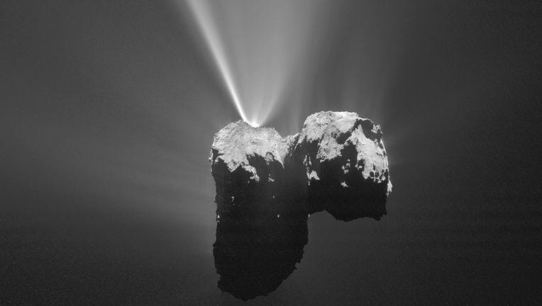 The comet 67/P Churyumov-Gerasimenko vents gas and dust into space. Credit:ESA/Rosetta/MPS for OSIRIS Team MPS/UPD/LAM/IAA/SSO/INTA/UPM/DASP/IDA
