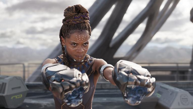 shuri-gauntlets-black-panther
