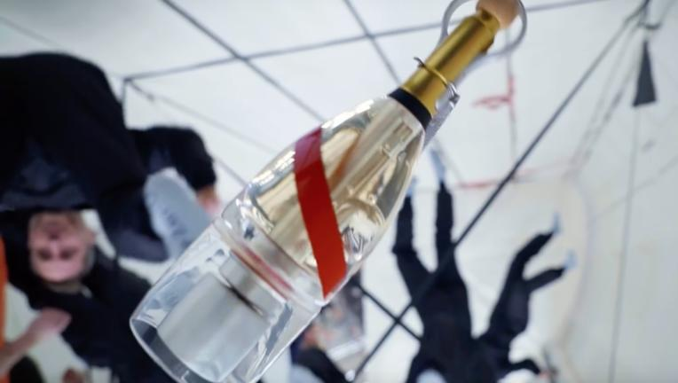 Mumm anti-gravity champagne in space